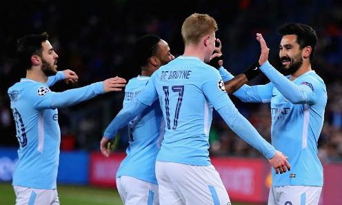 Cầu thủ Man City chia vui sau bàn thắng của Gundogan. Ảnh: AFP.