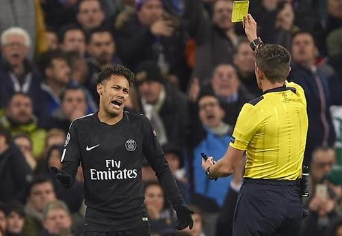 Neymar đã chơi không tốt trong chuyến làm khách của Real. Ảnh: Reuters.