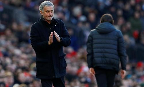 Mourinho khen cầu thủ Man Utd khiêm nhường khi hạ Chelsea