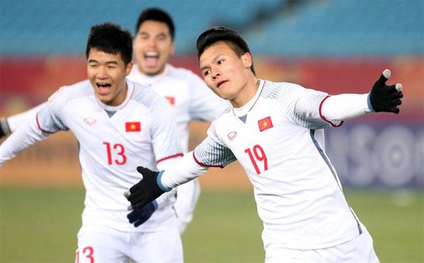 Quang Hải và các đồng đội nhận thưởng lớn nhờ thành tích ở giải châu Á.