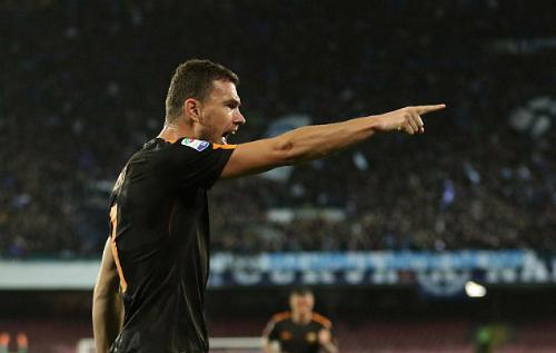 Roma thắng đậm Napoli, giúp Juventus tới gần đỉnh bảng Serie A - 1