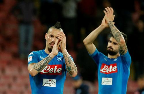 Tham vọng giành Scudetto của Napoli đứng trước nhiều khó khăn trong 11 vòng cuối. Ảnh: Reuters.