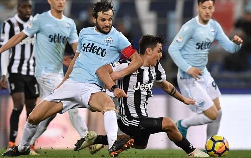 Nỗ lực vào cuối trận của Dybala mang về ba điểm cho Juventus. Ảnh: AFP.