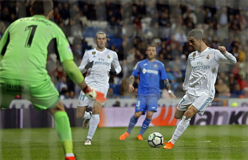 Real thắng trở lại sau trận thua Espanyol ở La Liga. Ảnh: Reuters