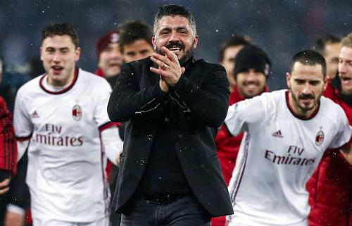 Tinh thần máu lửa thời còn thi đấu được Gattuso truyền cho cầu thủ Milan. Ảnh: AP.