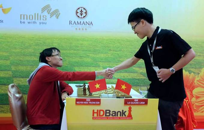 Sáu kỳ thủ thách thức Quang Liêm ở giải cờ HDBank 2018