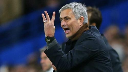 Mourinho và Man Utd đứng trước chuỗi trận ảnh hưởng tới cả mùa giải. Ảnh: Reuters.