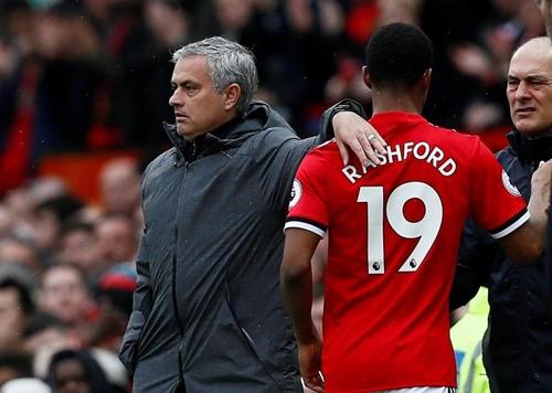Người hâm mộ Man Utd không hài lòng khi Rashford bị thay ra. Ảnh: Reuters.