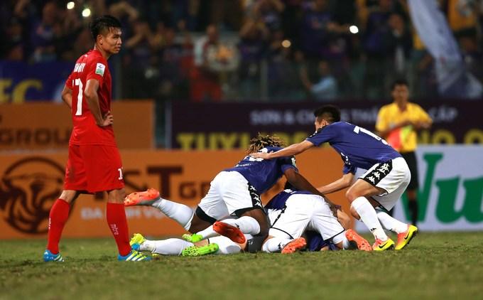 Bàn thắng duy nhất trận đấu đến ở phút 69, khi Ngân Văn Đại có mặt đúng lúc, dứt điểm từ khoảng chừng 10 mét sau khi đồng đội Oseni sút trúng xà ngang.