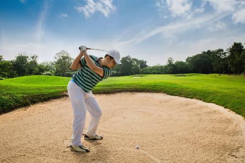 Golf đang trở nên phổ biến hơn với mọi đối tượng.