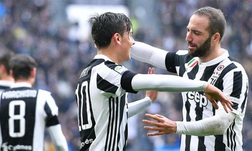 Inter níu chân Napoli, Juventus lên đầu bảng Serie A