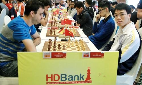 Quang Liêm (phải) tìm lại tự tin.