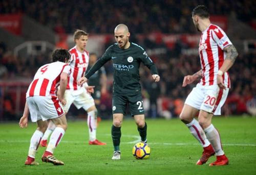 Guardiola đưa Silva lên mây sau cú đúp vào lưới Stoke