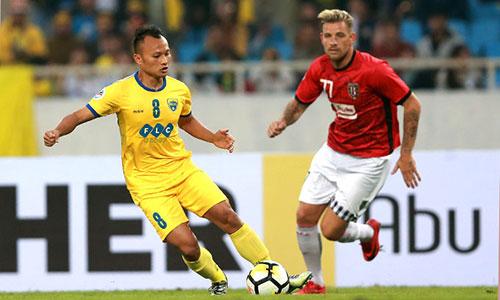 Bùi Tiến Dũng chơi xuất sắc, giúp Thanh Hoá hoà ở AFC Cup - ảnh 1