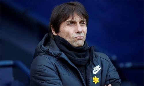 Conte hy vọng các học trò sẽ giữ được sự tập trung trên sân Nou Camp. Ảnh: Reuters.
