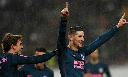 Torres lập cú đúp trong chiến thắng của Atletico. Ảnh: Reuters