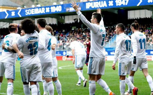 Ronaldo lấy lại phong độ và giúp Real thăng hoa. Ảnh: Reuters