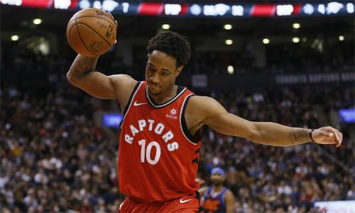 Raptors bị đuổi ba người cùng lúc, đứt mạch thắng ở NBA