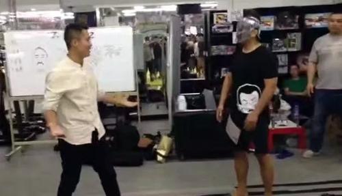 dinh-hao-to-video-tran-dau-voi-tu-hieu-dong-bi-cat-ghep