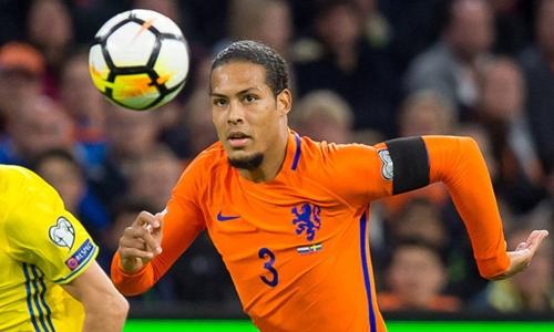 Van Dijk là đội trưởng mới của Hà Lan. Ảnh: Reuters.