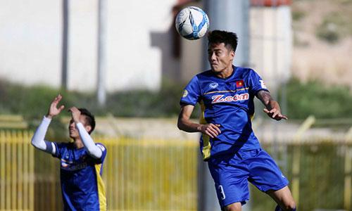 Các cầu thủ Việt Nam tích cực tập luyện hướng tới trận gặp chủ nhà. Ảnh: VFF.