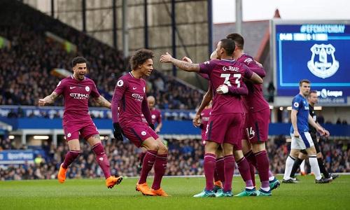 Man City đè bẹp Everton, sẽ vô địch nếu hạ Man Utd tuần sau