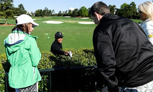 CĐV ung thư hoàn thành giấc mơ gặp Tiger Woods - ảnh 2