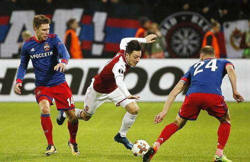 Rất nhiều vị trí của Arsenal thi đấu dưới sức, cho đến trước khi Welbeck có bàn thắng.