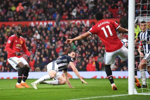 Rodriguez đánh đầu ghi bàn duy nhất của trận đấu. Ảnh:AFP.