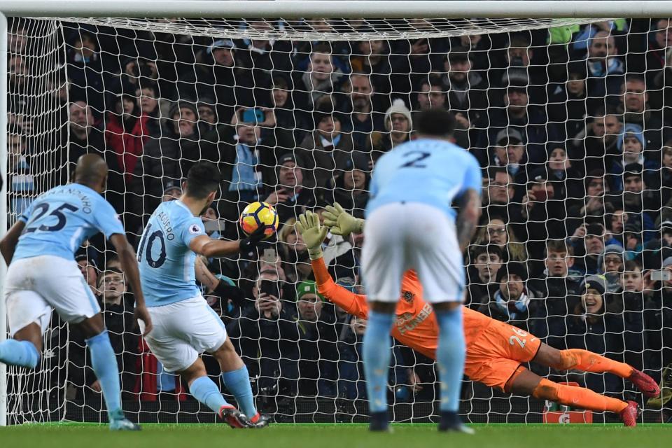 5 thắng lợi then chốt giúp Man City vô địch Ngoại hạng Anh