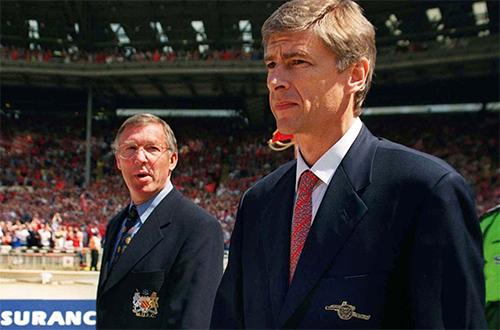 HLV Wenger và Ferguson trong một trận đấu ở giai đoạn căng thẳng giữa Arsenal và Man Utd. Ảnh: PA.