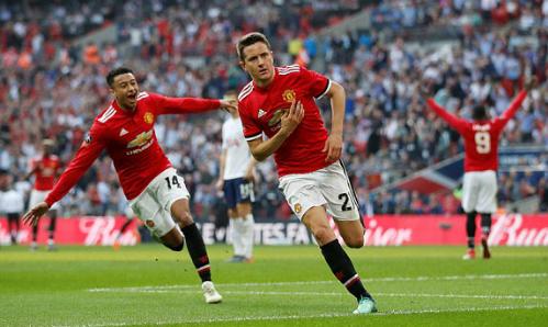 Ander Herrera ghi bàn thắng đưa Man Utd vào chung kết. Ảnh: Reuters.
