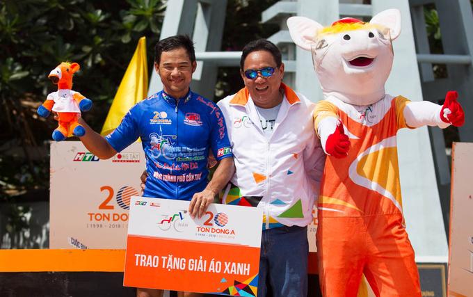 Lê Nguyệt Minh về nhì dù bị hỏng líp xe ở chặng 25 Cup Truyền hình