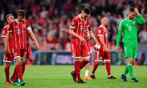 Bayern thiếu bản lĩnh để biến cơ hội thành bàn thắng thứ hai. Ảnh: Reuters