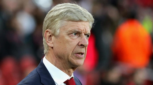 Wenger không hài lòng với kết quả hòa 1-1. Ảnh: PA.