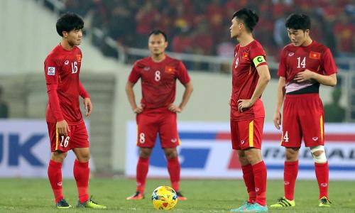 Công Vinh (9) tin tưởng các đàn em như Xuân Trường (14), Công Phượng (16) sẽ thành công sau những gì đạt được ở giải U23 châu Á. Ảnh: Đức Đồng.