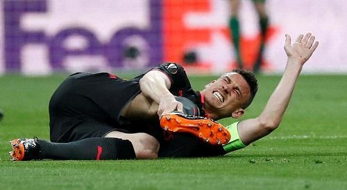 Koscielny dính chấn thương nặng, lỡ World Cup 2018. Ảnh: Reuters.