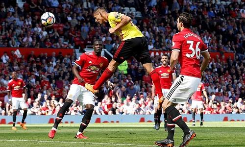 Pha đánh đầu bị Romero cản phá của Richarlison là cơ hội nguy hiểm nhất Watford tạo ra. Ảnh: Reuters.