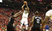 Warriors 'bẻ' game sân nhà của Rockets, nắm lợi thế tại chung kết miền Tây NBA