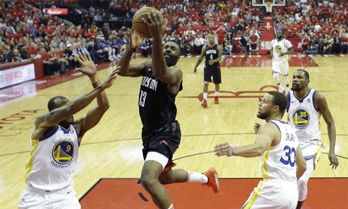 rockets-thang-dam-warriors-can-bang-ty-so-chung-ket-mien-tay-nba