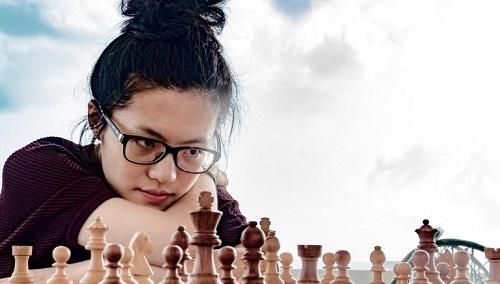 Hầu Dật Phàm vẫn được coi là kỳ thủ nữ mạnh nhất. Ảnh: Chess24.