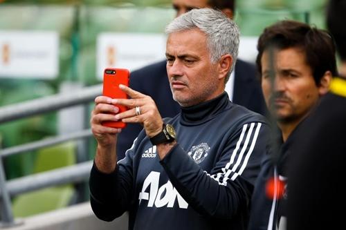 Mourinho đã xóa tài khoản Instagram một ngày sau chung kết Cup FA. Ảnh: PA.