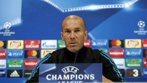 HLV Zinedine Zidane trong buổi họp báo. Ảnh: UEFA.