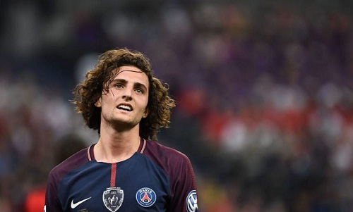 Rabiot thất vọng vì không lọt vào đội hình dự World Cup của tuyển Pháp. Ảnh: AFP.