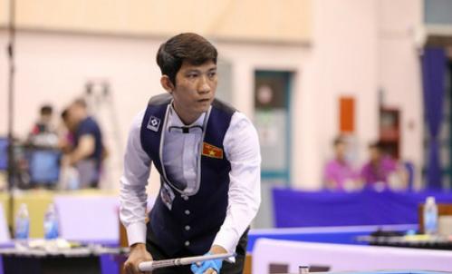 Đình Nại làm nức lòng khán giả Nhà thi đấu Nguyễn Du. Ảnh: Kozoom.