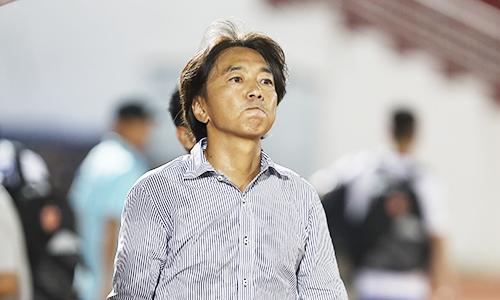 Dù trải qua chuỗi trận không tốt nhưng HLV Miura vẫn tự tin vào chiếc ghế của mình. Ảnh: Đức Đồng.