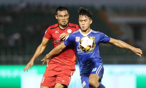 Các cầu thủ TP HCM trải qua năm trận đấu liên tiếp ở V-League chỉ có một điểm. Ảnh: Đức Đồng.