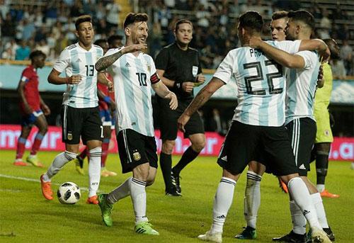 Aguero cũng lấy lại cảm giác ghi bàn trong màu áo đội tuyển.
