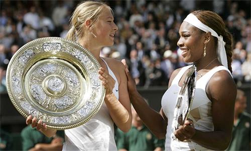 Sharapova đánh bại Serena Williams tại chung kết Wimbledon 2004 khi mới 17 tuổi. Ảnh: Reuters.