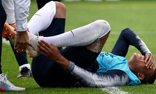 Mbappe chưa chắc thi đấu trong trận mở màn World Cup. Ảnh: AFP